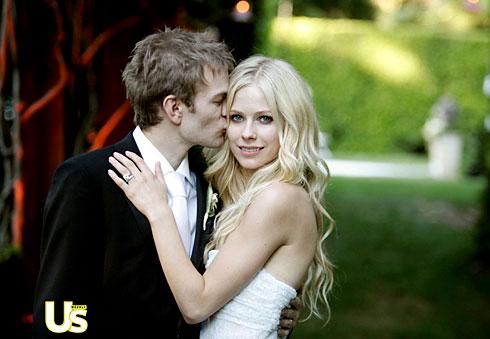 avril lavigne vera wang wedding dress. avril-large.jpg. Avril Lavigne